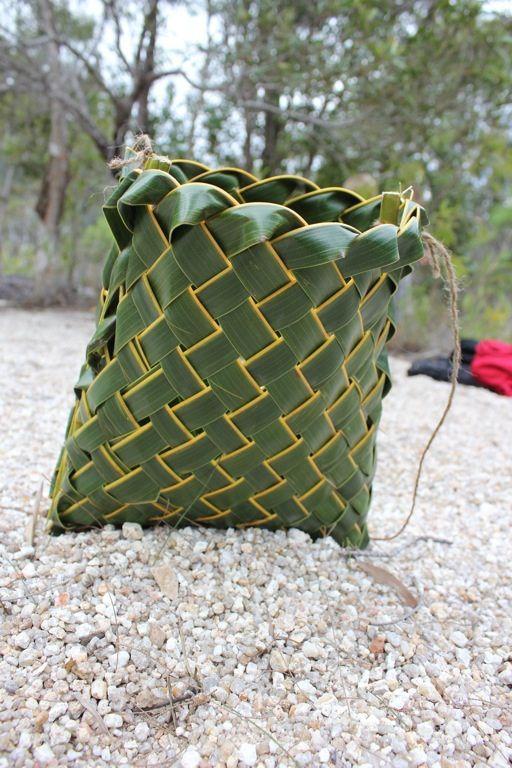 Coco nut leaf: objets artisanaux
